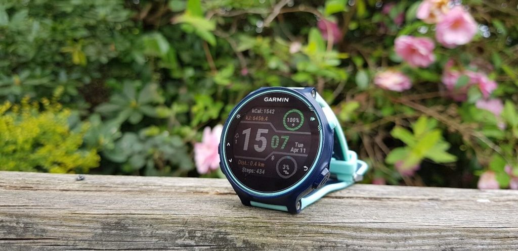 Garmin Forerunner 735XT Review – Best Slim Triathlon Watch