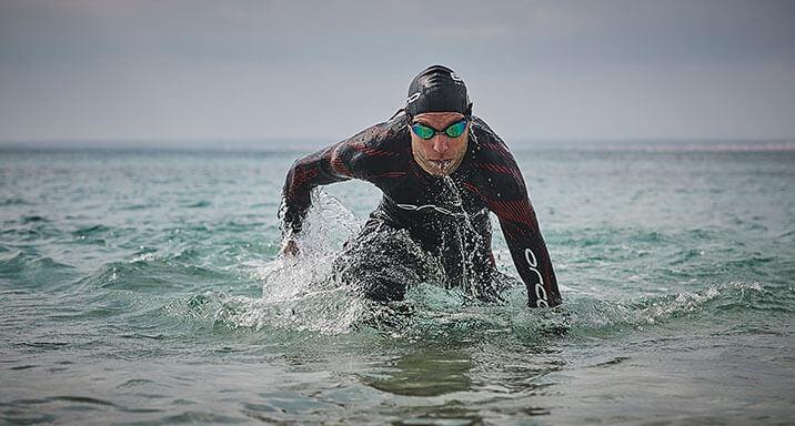Open water swimming wet suit