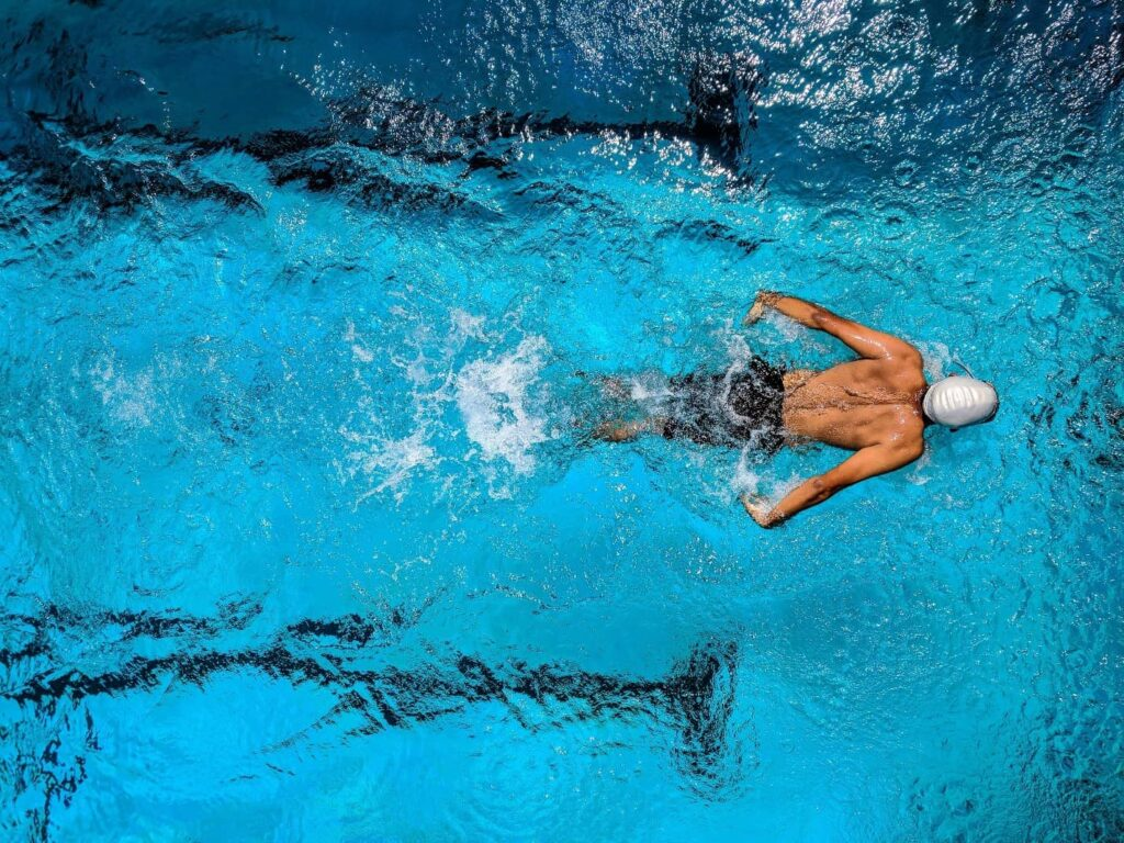 Swimming Build Muscle - After intro image - Man swimming
